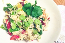 Gemüsereise mit grünem Spargel - vegetarisch.