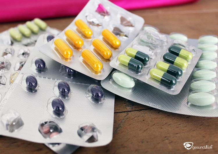 Abbildung von Pillenpackungen - Was sind die Nebenwirkungen von Antibiotika?